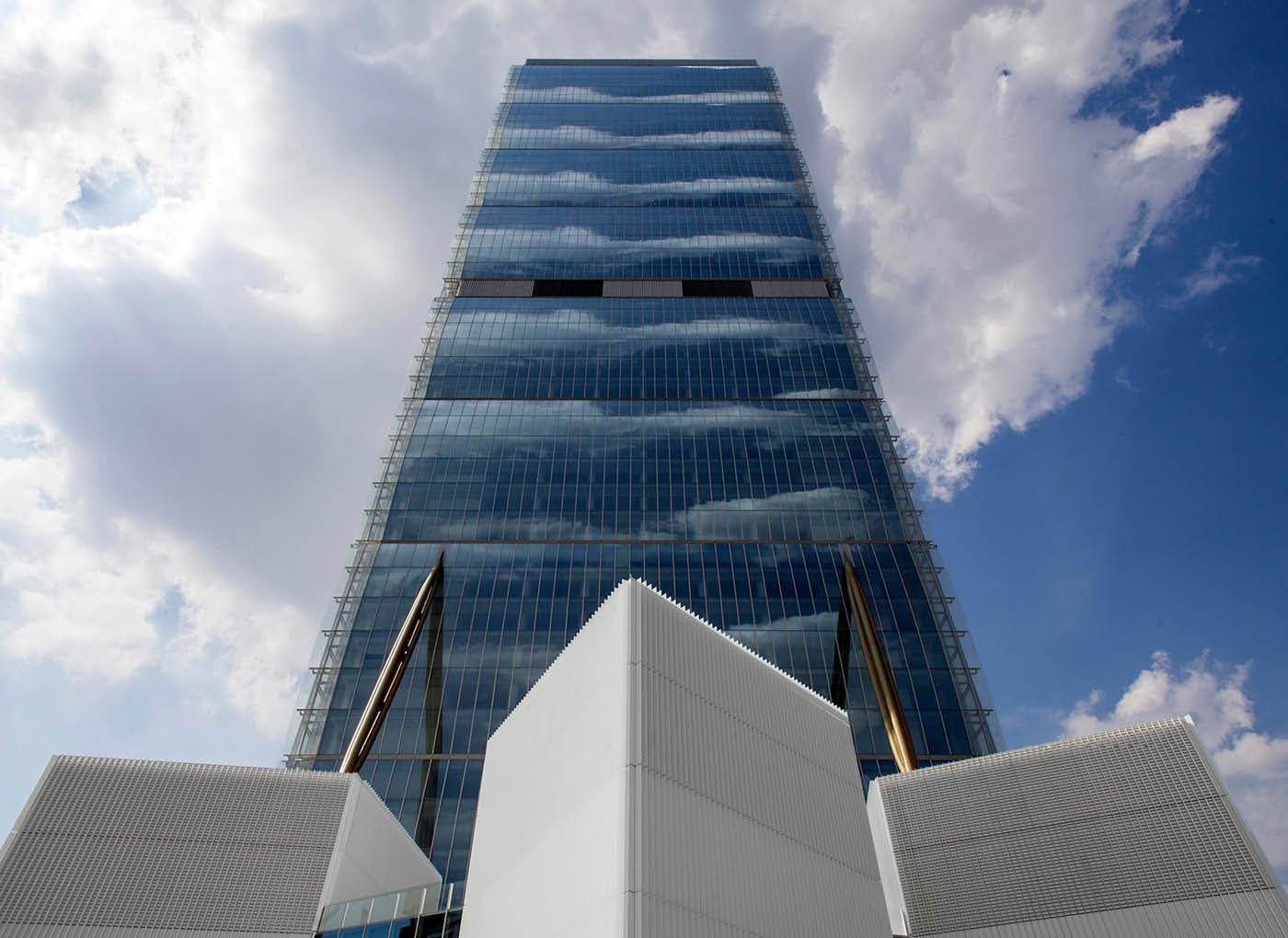 torre-isozaki-citylife-lecacem-classic-sottofonodi-2