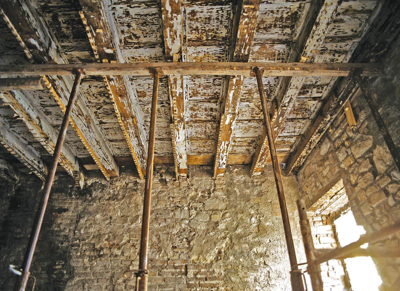 consolidamento-solaio-legno-puntelli-AE15
